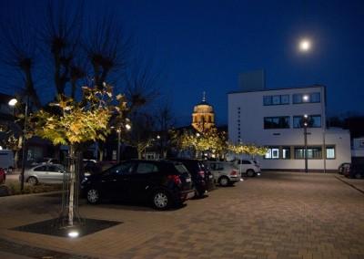 Rognacplatz mit Allee und Grünzone mit Hotel, Stadt Rockenhausen